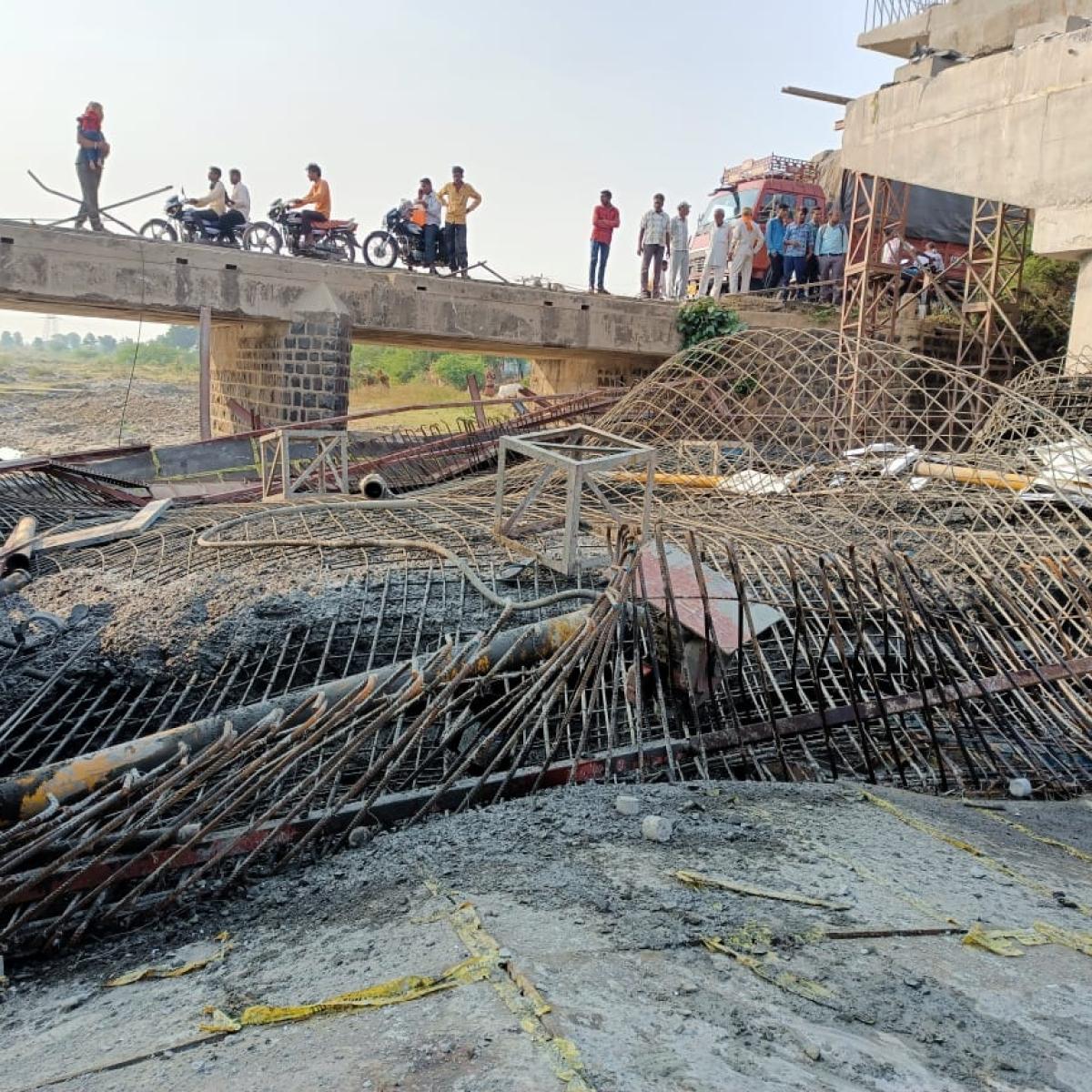 Ujjain: Labourer's body recovered from river bridge debris