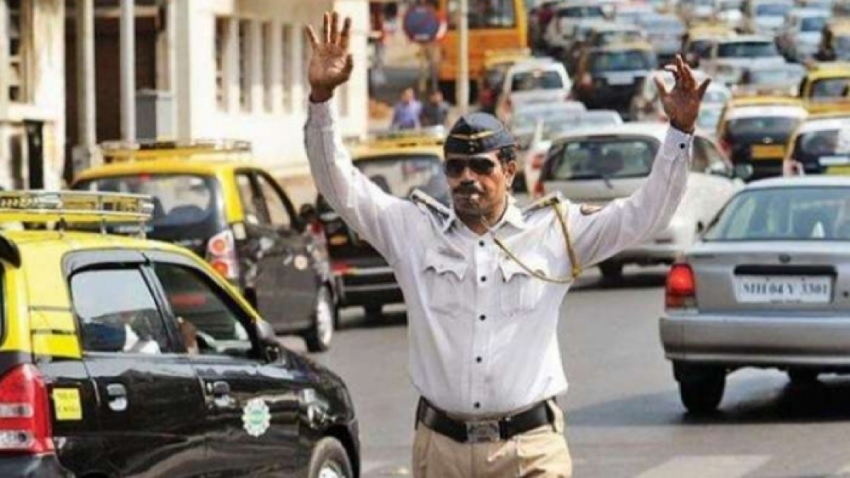 A slap on the face of traffic police