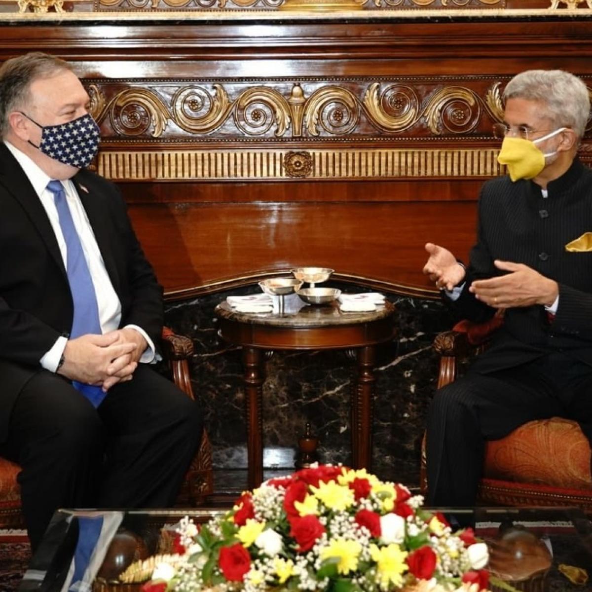 Amid India-US 2+2 dialogue, MEA Jaishankar's choice of masks has Twitter abuzz