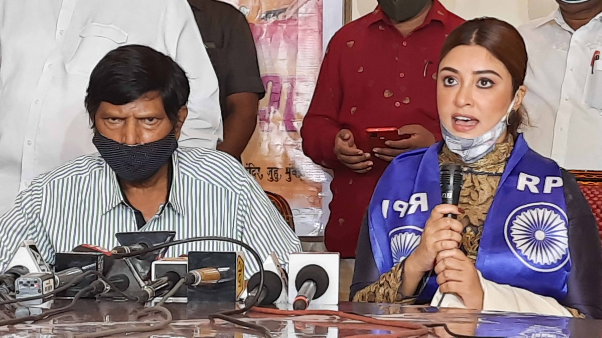Payal Ghosh self isolates after Ramdas Athawale tests positive for COVID-19, to undergo test