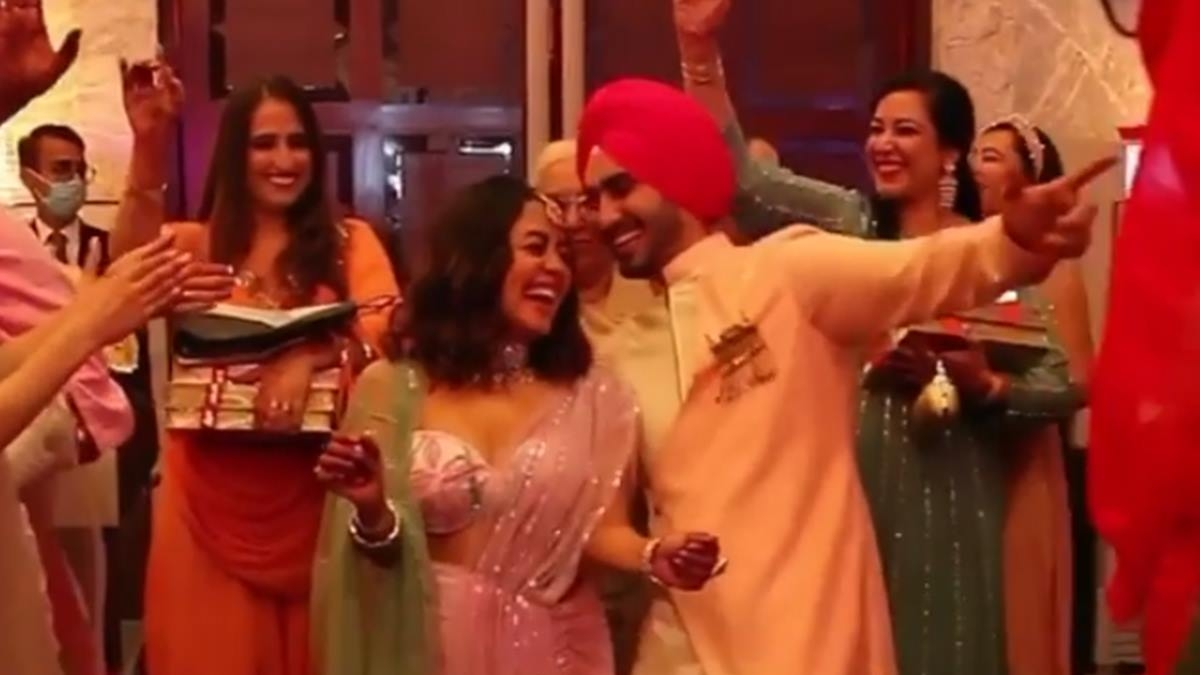 Watch: Bride-to-be Neha Kakkar dances with beau Rohanpreet Singh at their Roka ceremony