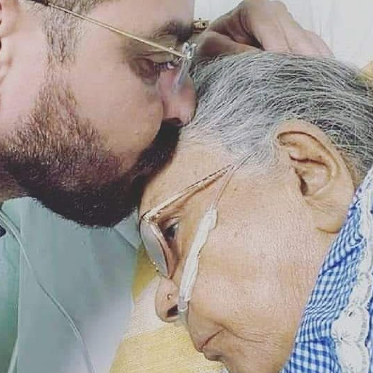 'Bigg Boss 13' fame Hindustani Bhau's mother passes away