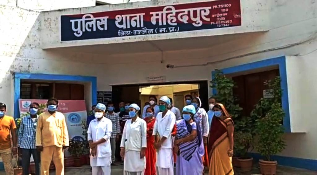 Madhya Pradesh: Nurse assaulted for asking visitors to wear masks