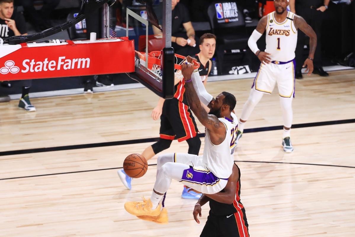 Lakers run past Heat