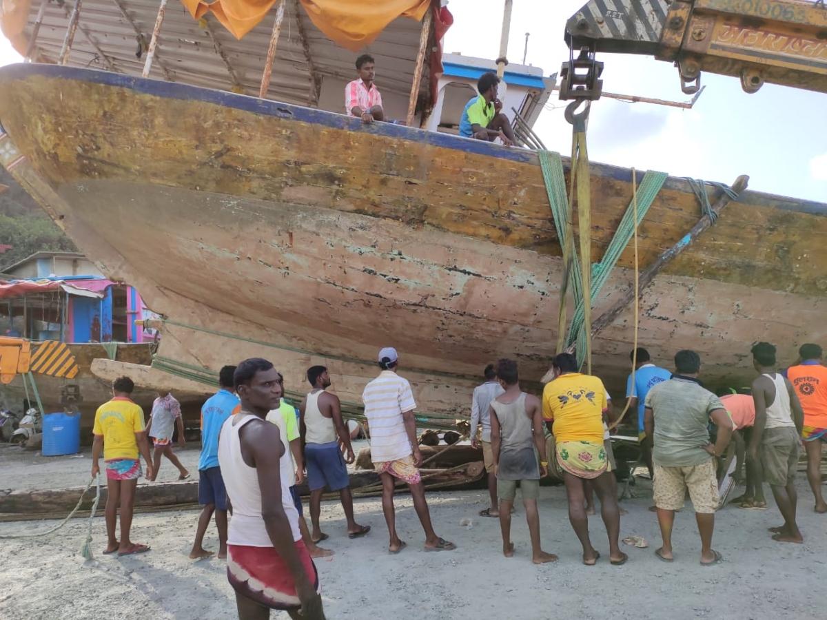 Navi Mumbai: Fishermen community demands fair compensation for those  affected by construction of additional bridge on Thane Creek