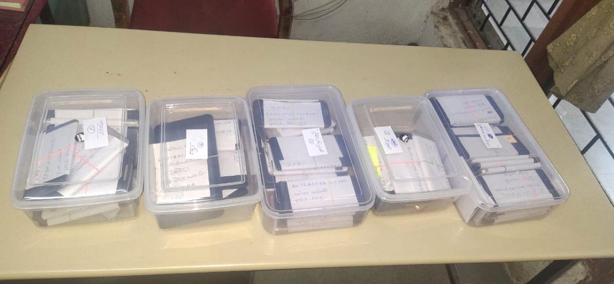 Indore: Minor among five held with 62 stolen mobile phones