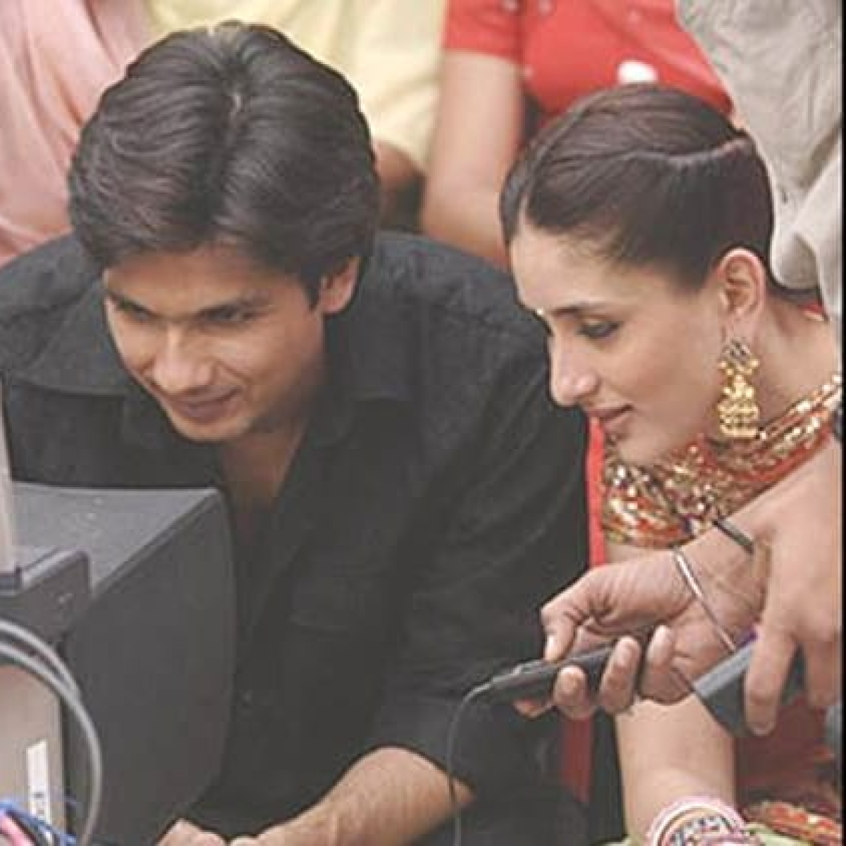 13 years of 'Jab We Met': Kareena shares BTS pic featuring ex-BF Shahid Kapoor with a brow-raising caption