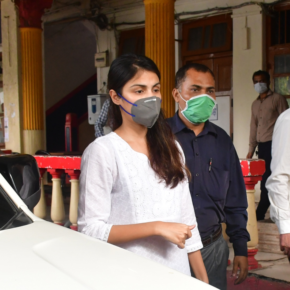 'Bengal tigress will fight back', says Rhea Chakraborty's lawyer, reveals how actress spent 28 days in jail