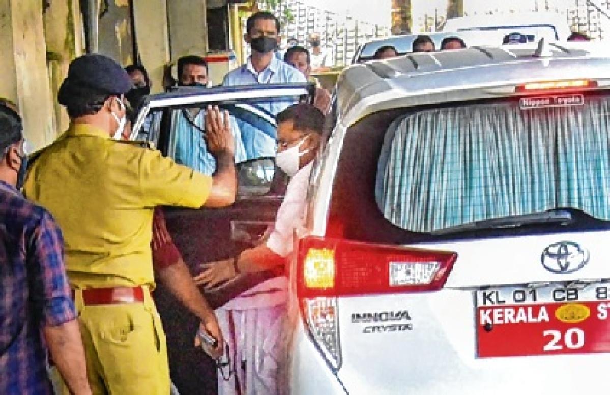 Customs grills Kerala minister Jaleel again