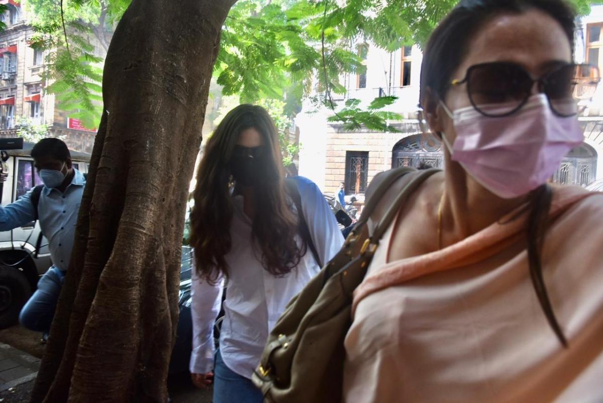 Gabriella Demetriades arrives at Ballard Estate with her lawyer