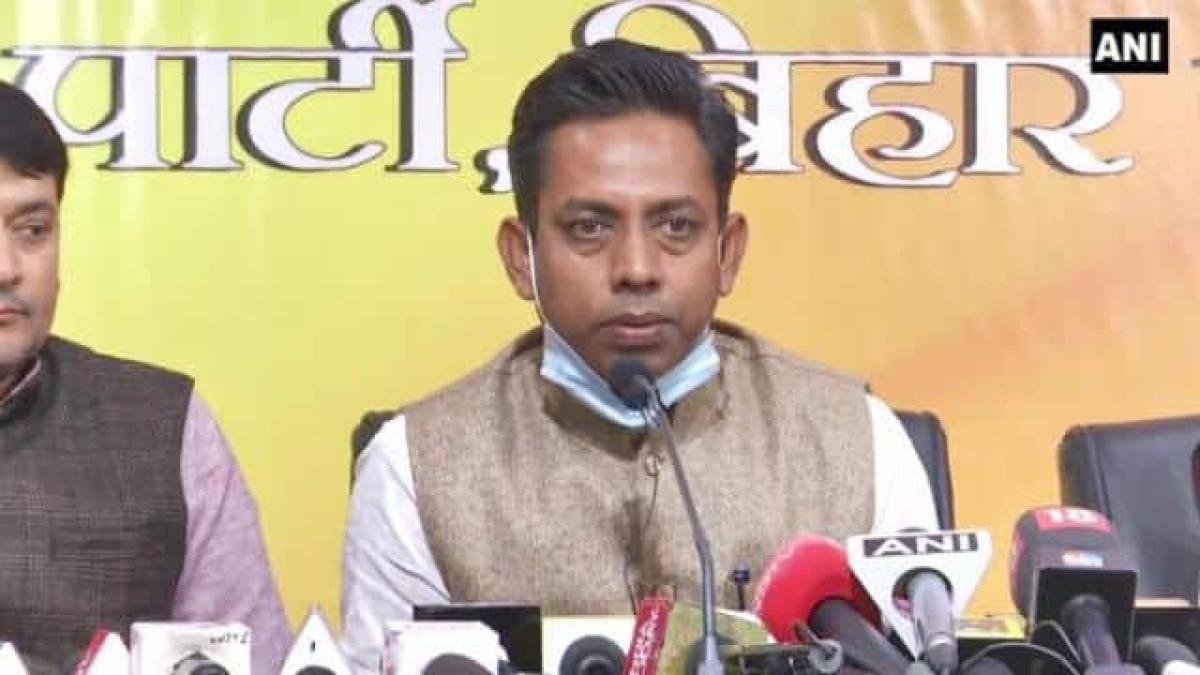 Lalan Paswan lodges FIR against Lalu Prasad Yadav under Prevention of Corruption Act