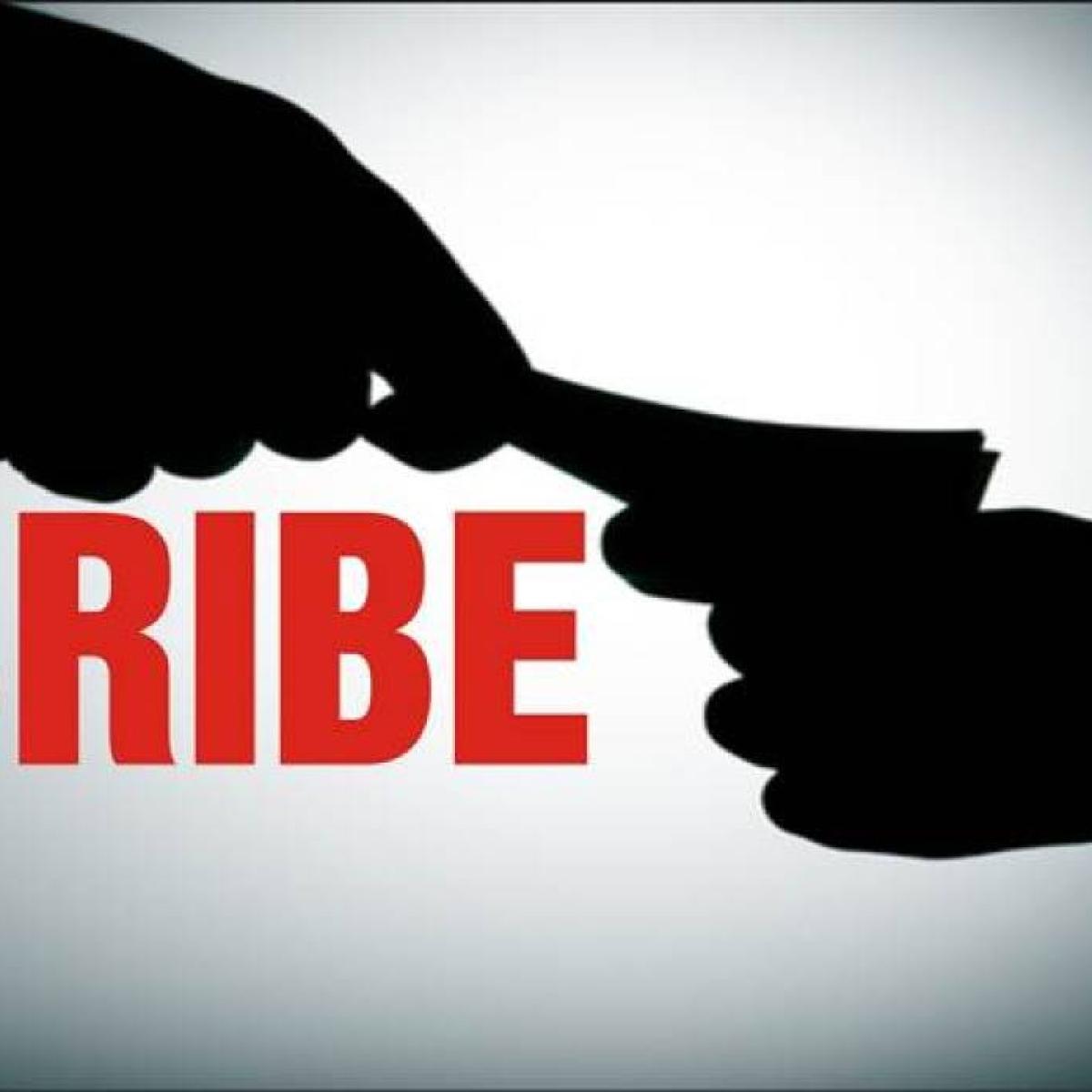 Mumbai: ACB books Class 1 officer, junior in Rs 1 lakh bribery case
