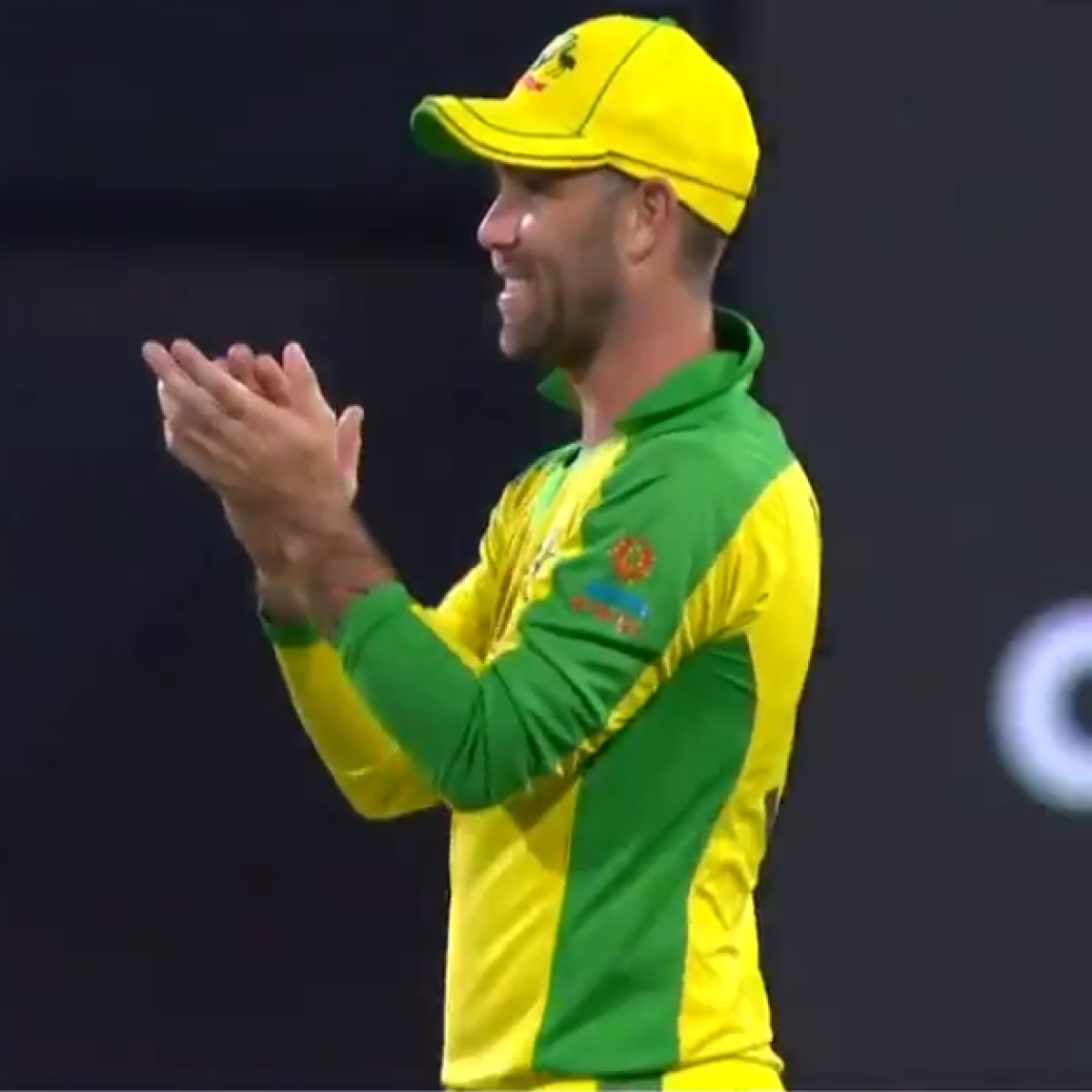 Watch: Glenn Maxwell 'approves' marriage proposal at SCG