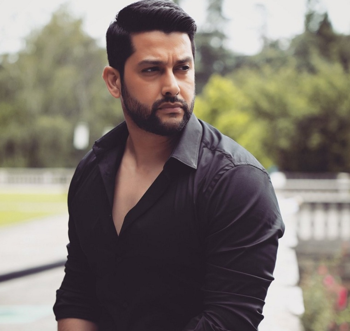 Spill the tea with Aftab Shivdasani: How is your favourite star in real life?