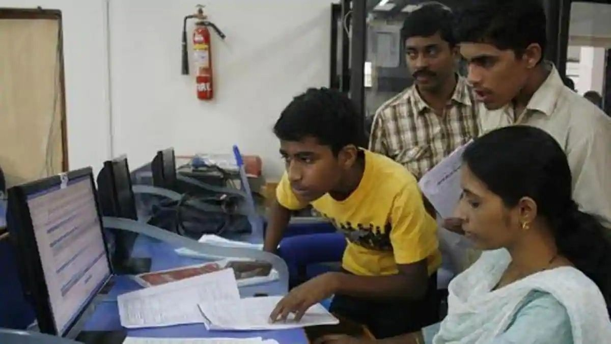 Maharashtra's Class XI students in dilemma as FYJC admission yet to be over