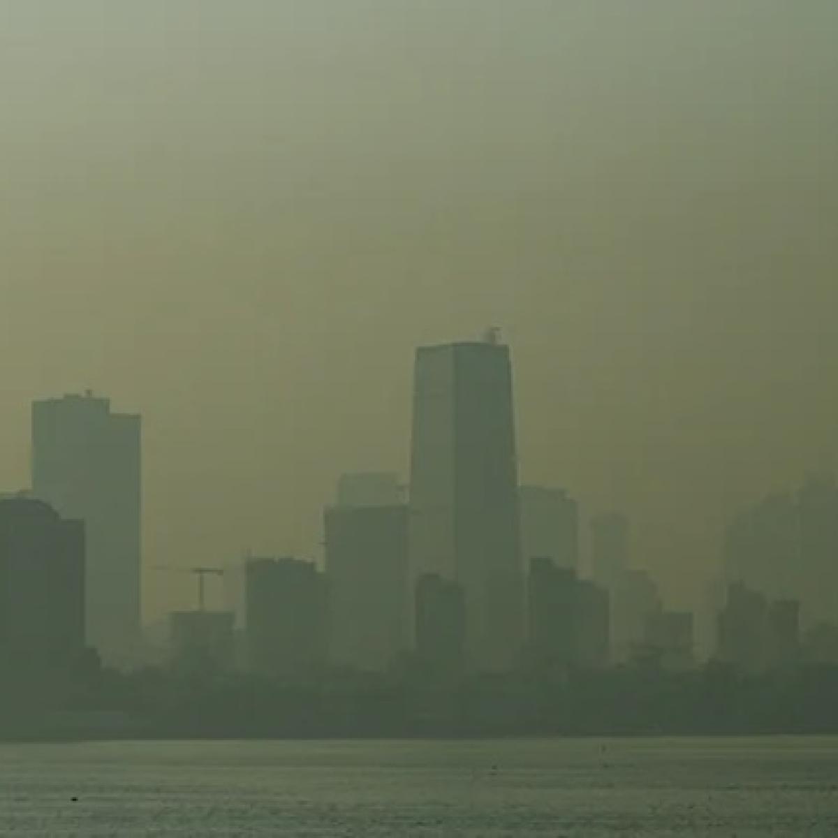 Amid Diwali celebrations, Mumbai's air quality dips to moderate
