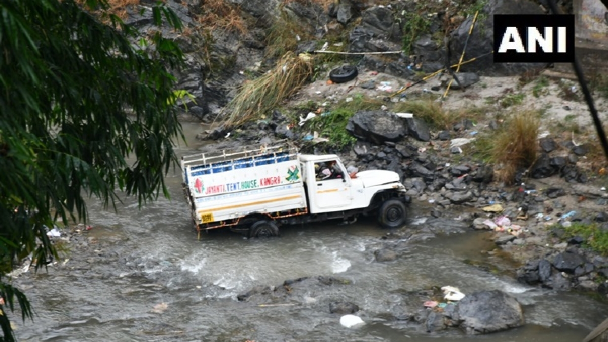 7 labourers from Bihar killed in Himachal Pradesh road accident; President Kovind, PM Modi express grief