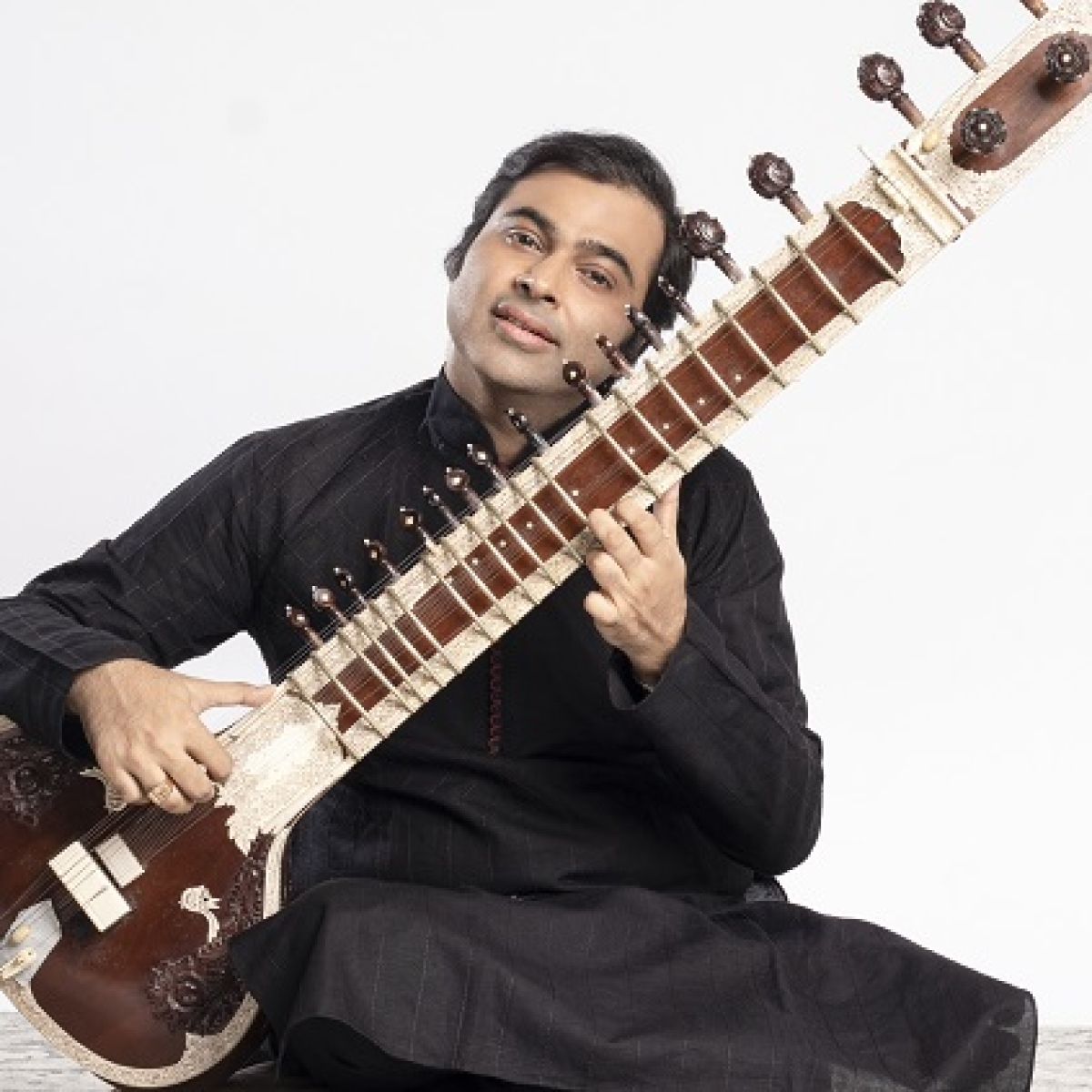 Santana's songs get 'smooth' treatment on Sitar, thanks to Purbayan Chatterjee