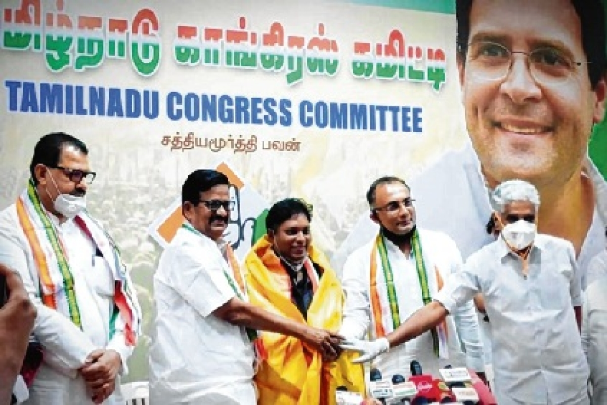 IAS officer who quit over CAA joins Congress in Tamil Nadu