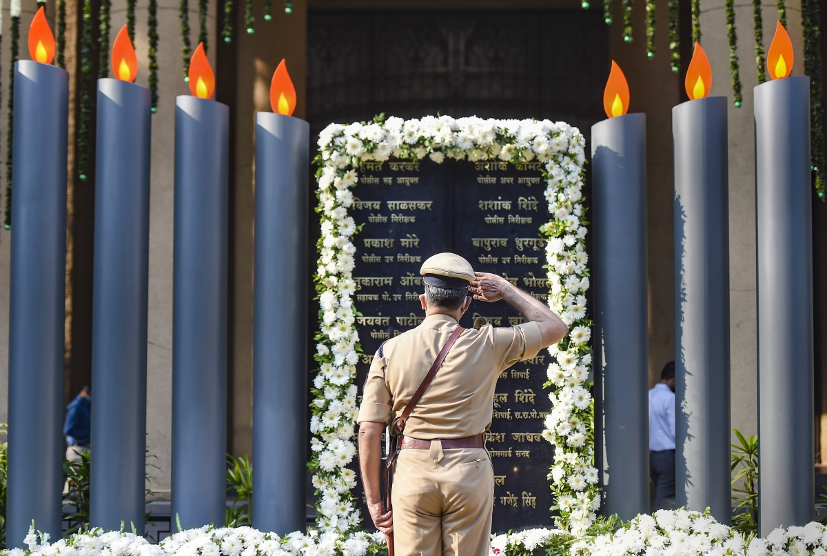 'Lest we forget': Twitter pays tribute to 26/11 brave hearts and innocent victims