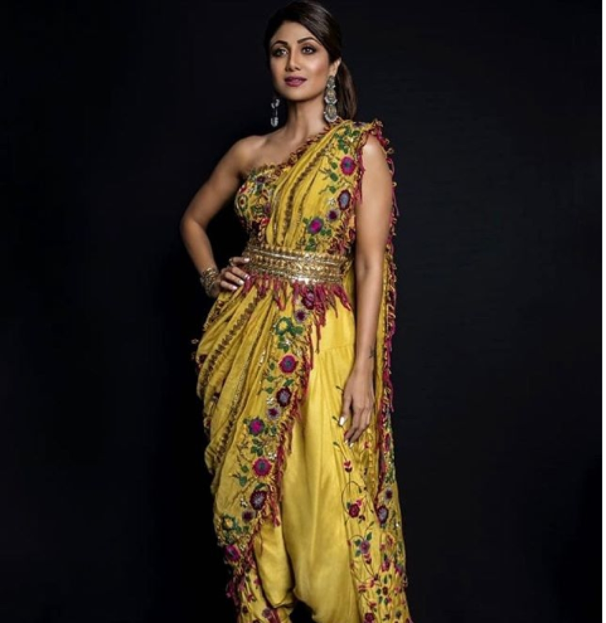 Karva Chauth 2020: 10 quirky ways to style sarees like Bollywood divas