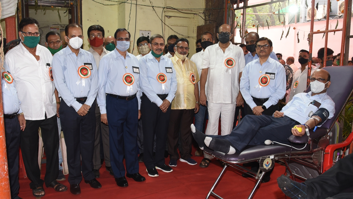Mazagon Dock Shipbuilders and Association of Engineering Workers jointly organise blood donation camp