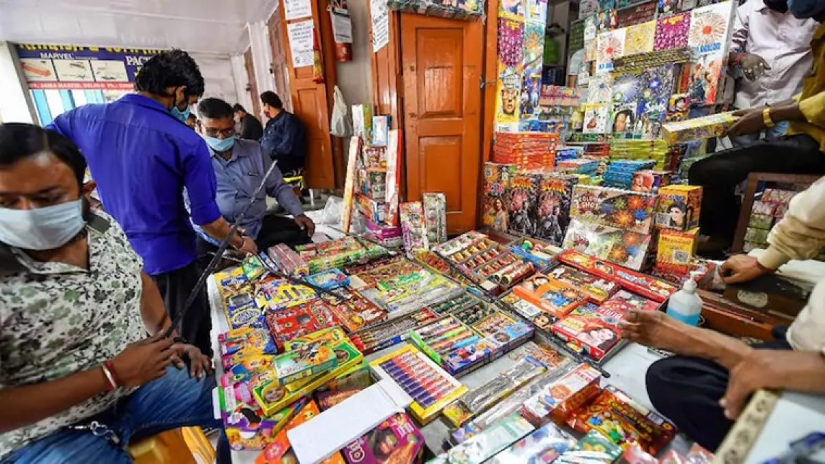 Calcutta High Court directs state administration to take tough measures to implement firecracker ban