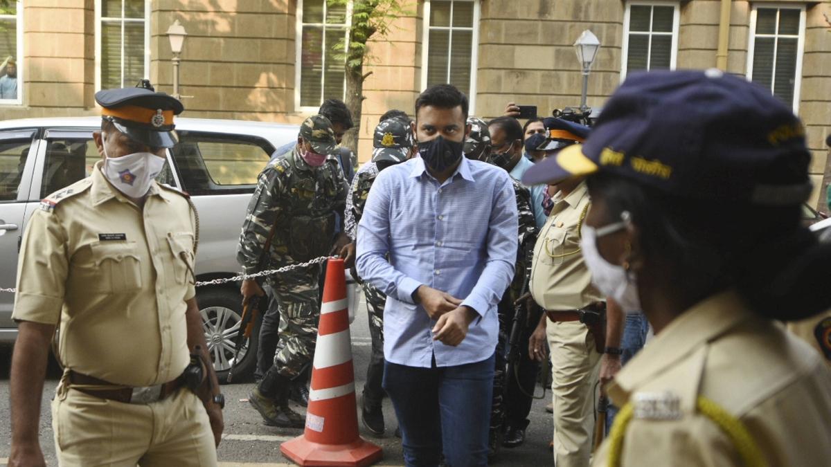 Mumbai: HC grants interim protection to MLA Sarnaik's son in PMLA case
