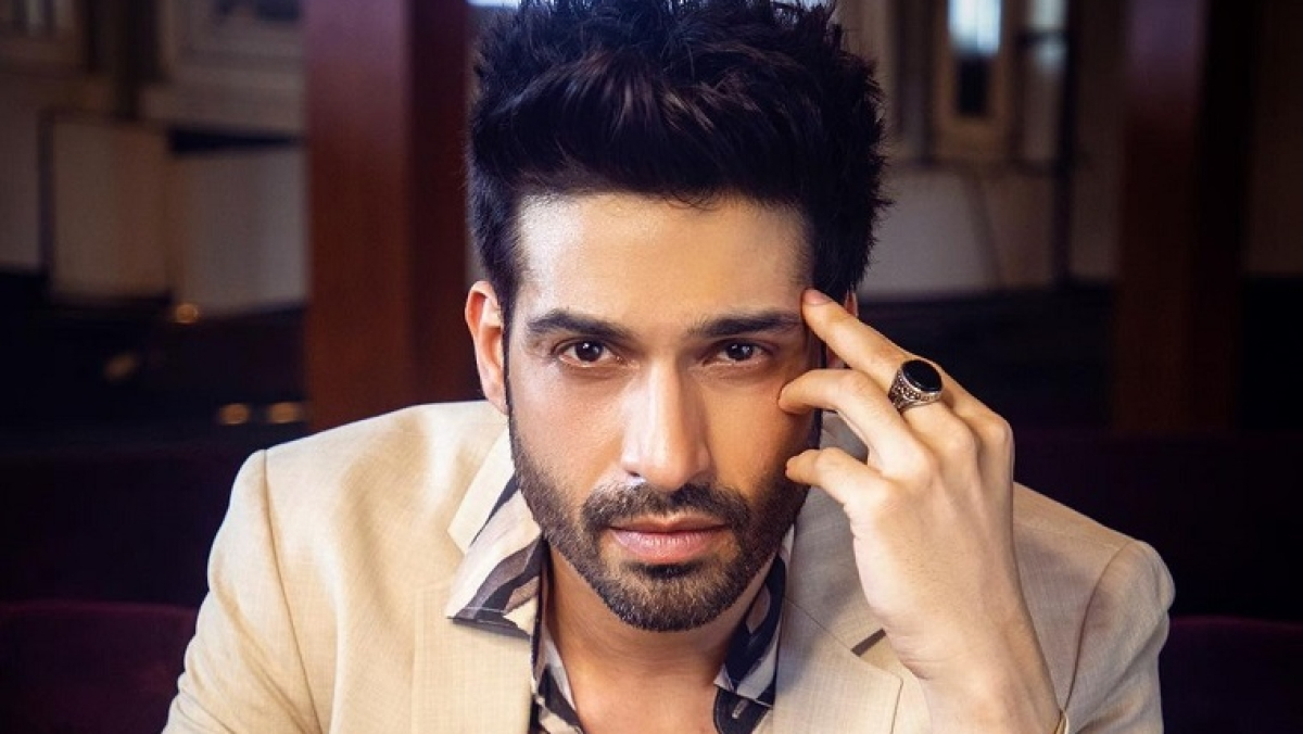 Spill the tea with Vijayendra Kumeria: How is your favourite star in real life?