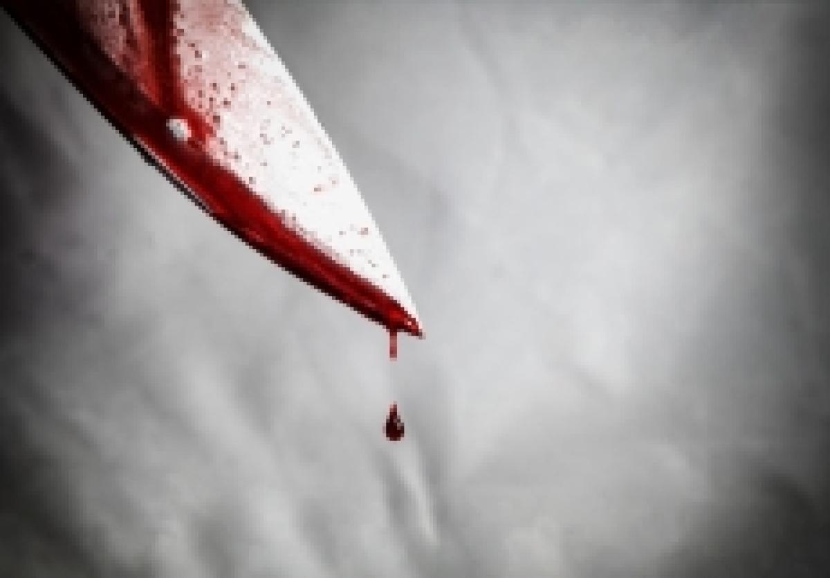 Mumbai Crime Watch:  Man stabbed, injured outside Mumbai bank in broad daylight