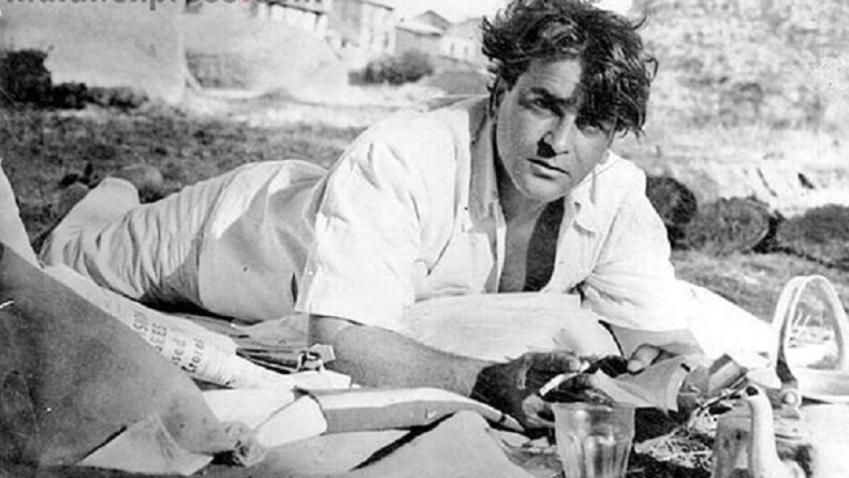Kunal Kapoor shares a rare picture of grandfather Prithviraj Kapoor