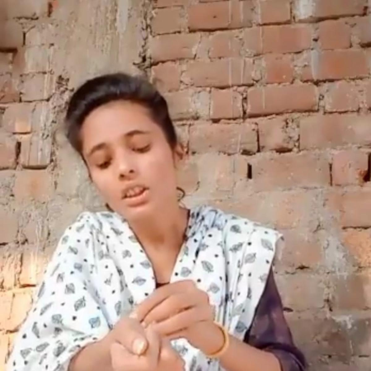 Bhopal: Girl slits wrist, posts video on social media