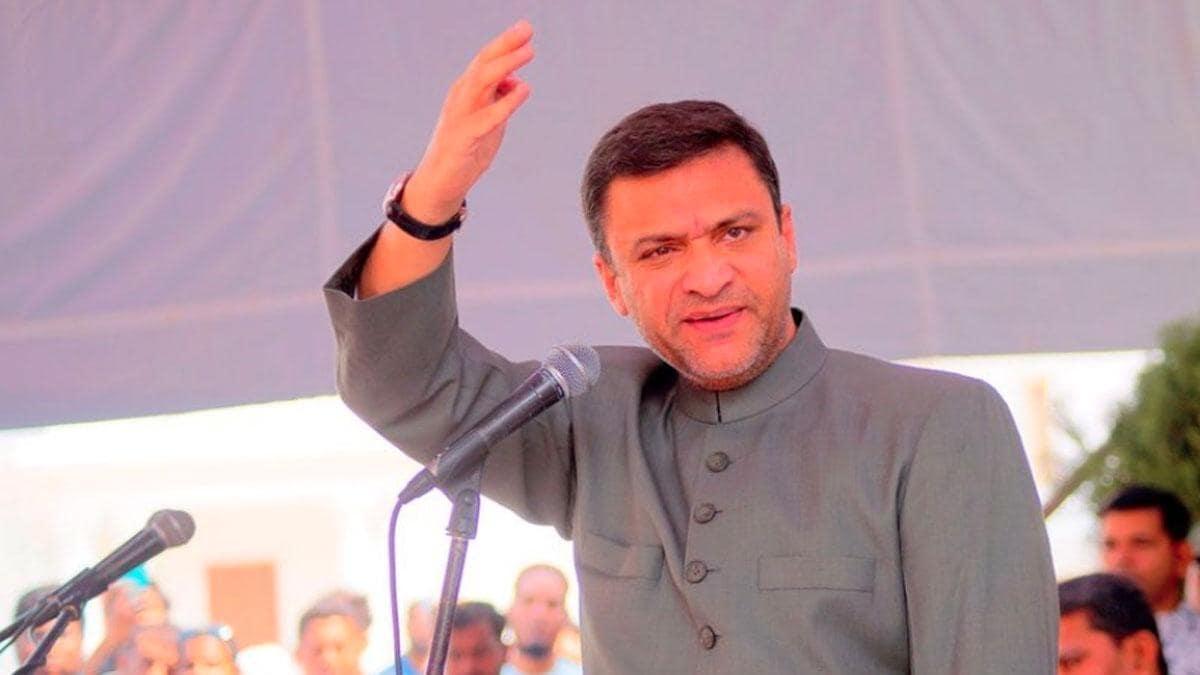 AIMIM's Akbaruddin Owaisi, Telangana BJP chief Bandi Sanjay Kumar booked