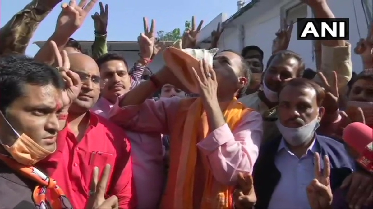 Bihar Election 2020: Slow counting, changing trends force parties to hold off celebrations