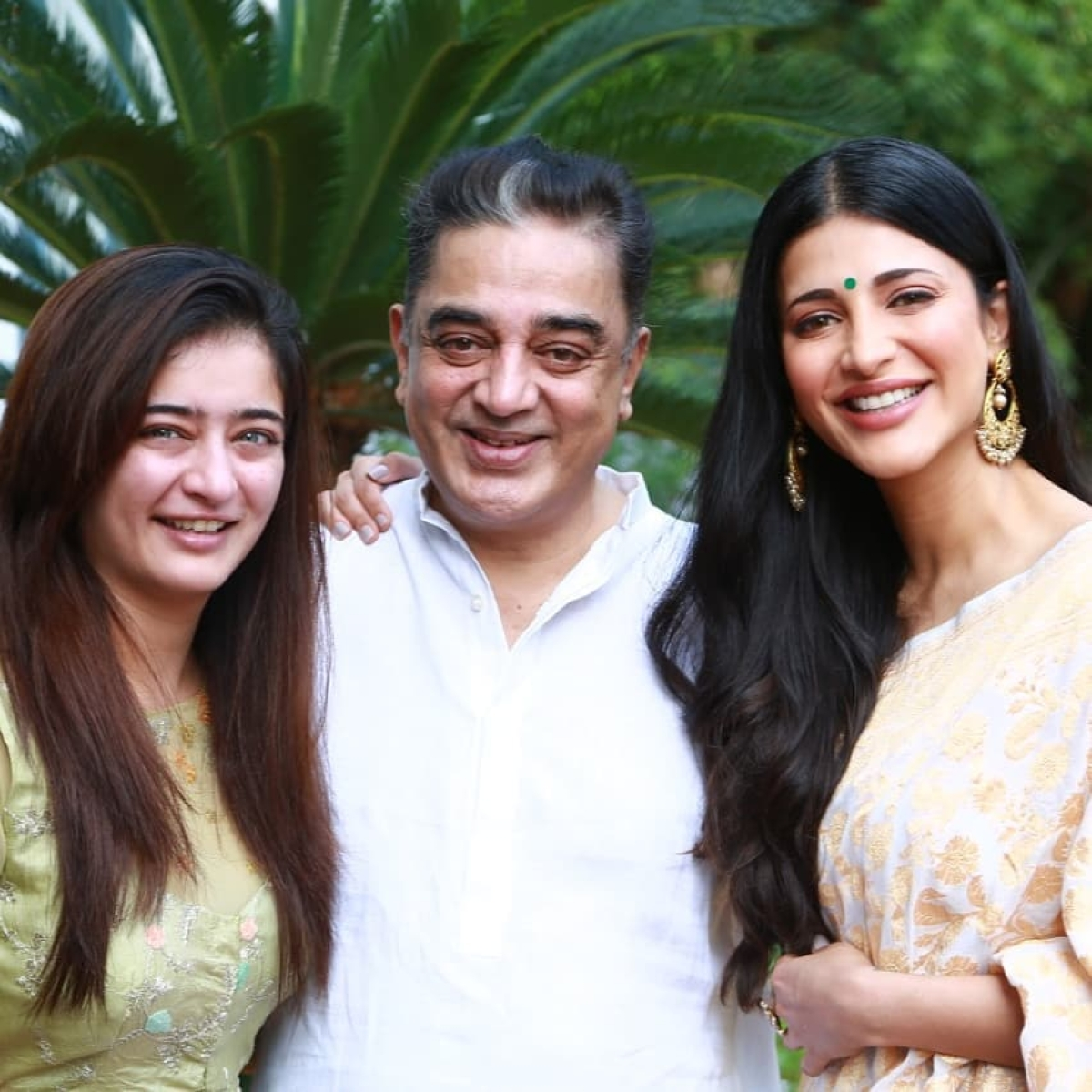 Kamal Haasan birthday special: 10 pictures of Tamil superstar with his gorgeous daughters Shruti and Akshara