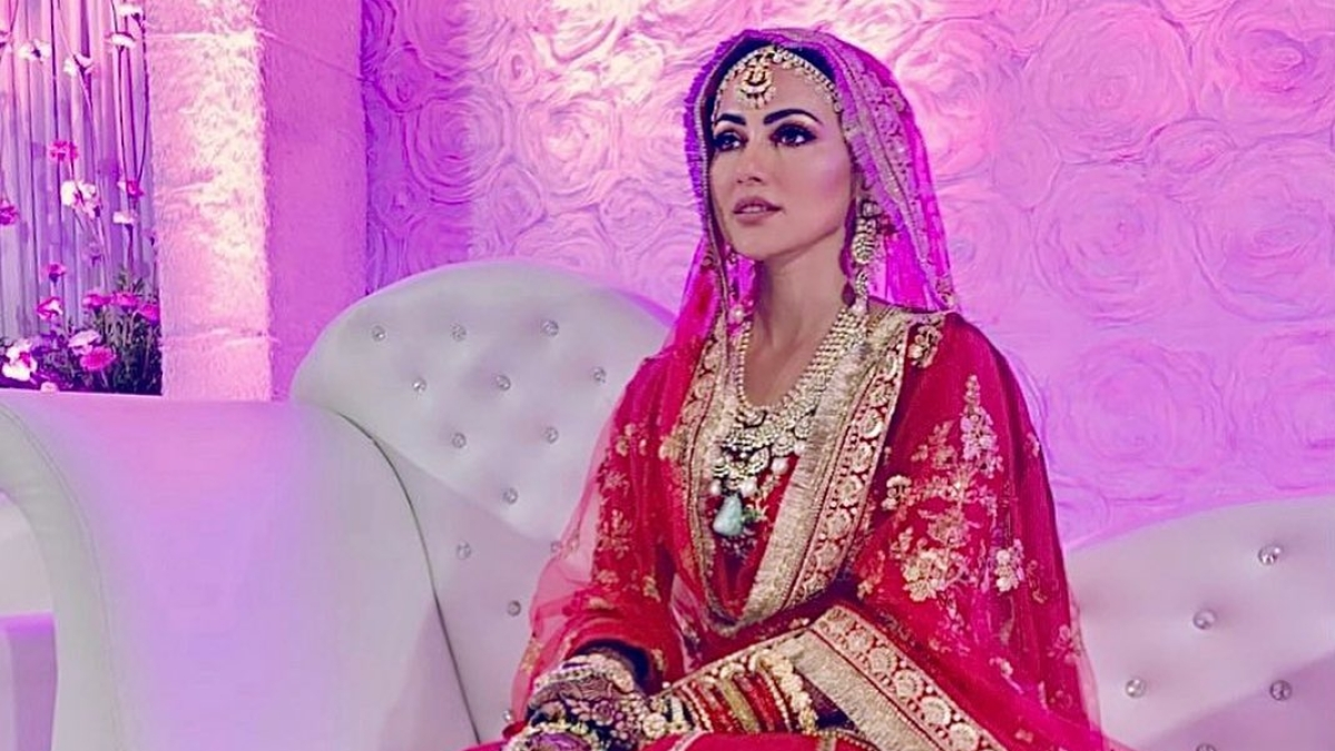 'Bigg Boss 6' fame Sana Khan is a 'blushing bride' in her 'walima look'; see pics