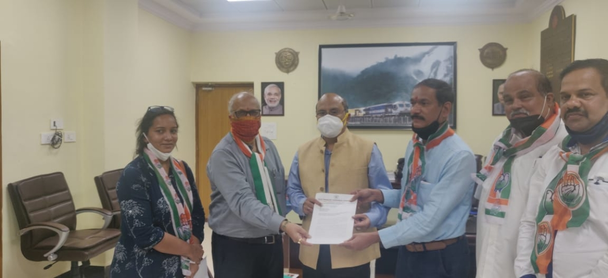 A delegation from Goa meets South Western Railway Additional General Manager at Hubballi