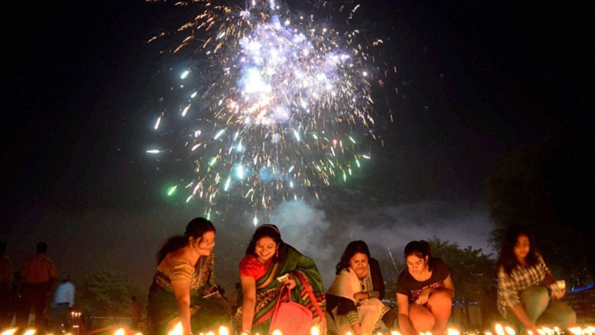 Maharashtra govt urges citizens to avoid bursting crackers to curb air pollution, issues guidelines ahead of Diwali