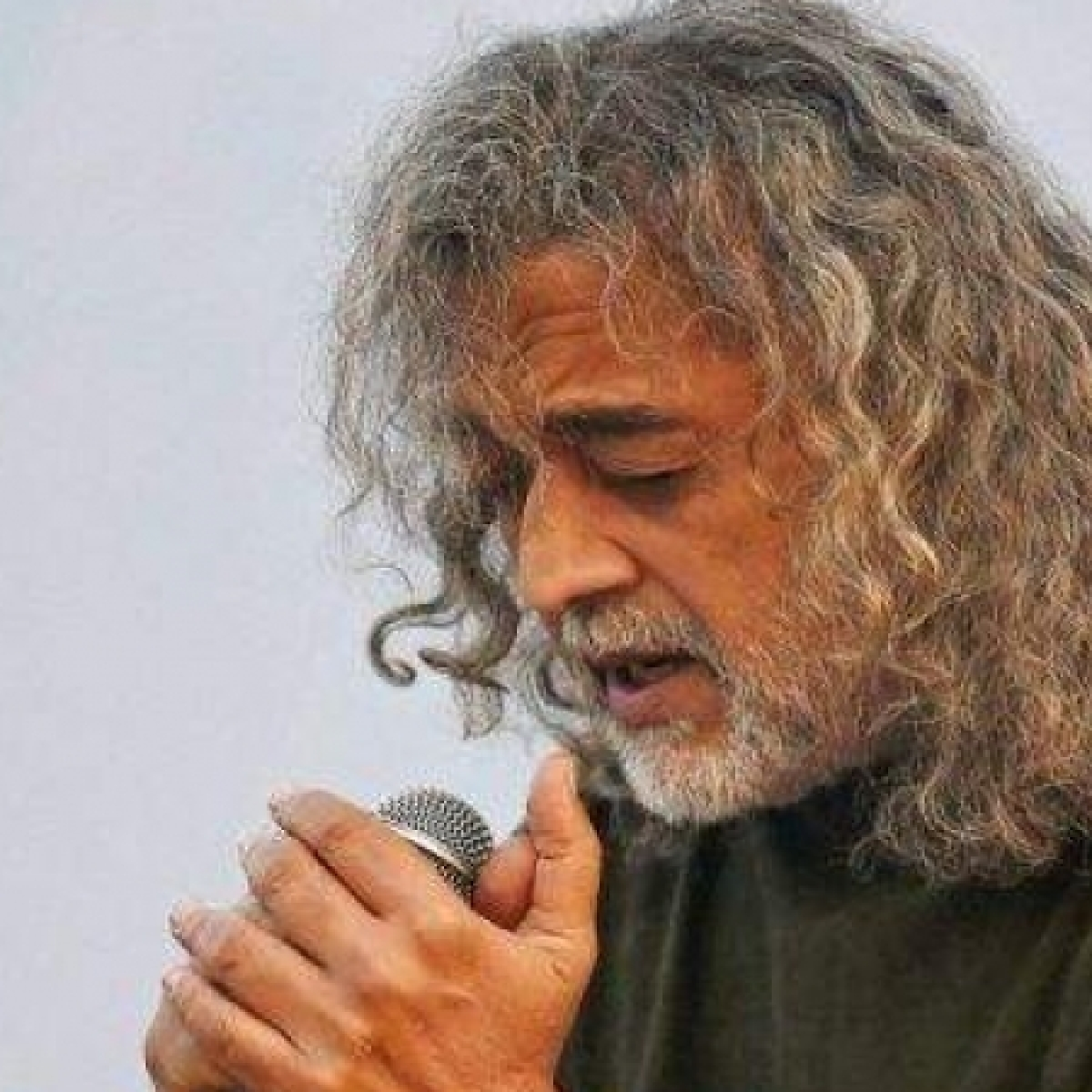 Watch: Lucky Ali's viral video singing 'O Sanam' leaves netizens nostalgic, Twitter calls it 'pure gold'