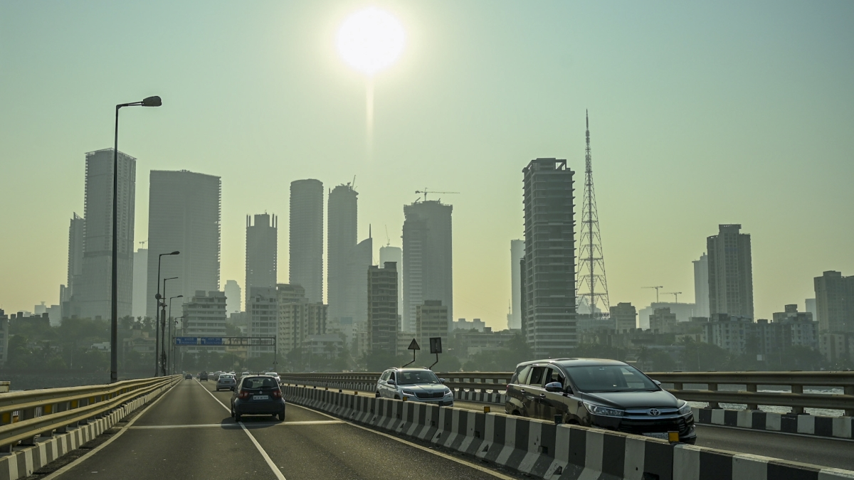 Mumbai weather update: At 16.2 degrees Celsius, city continues to witness winter chills