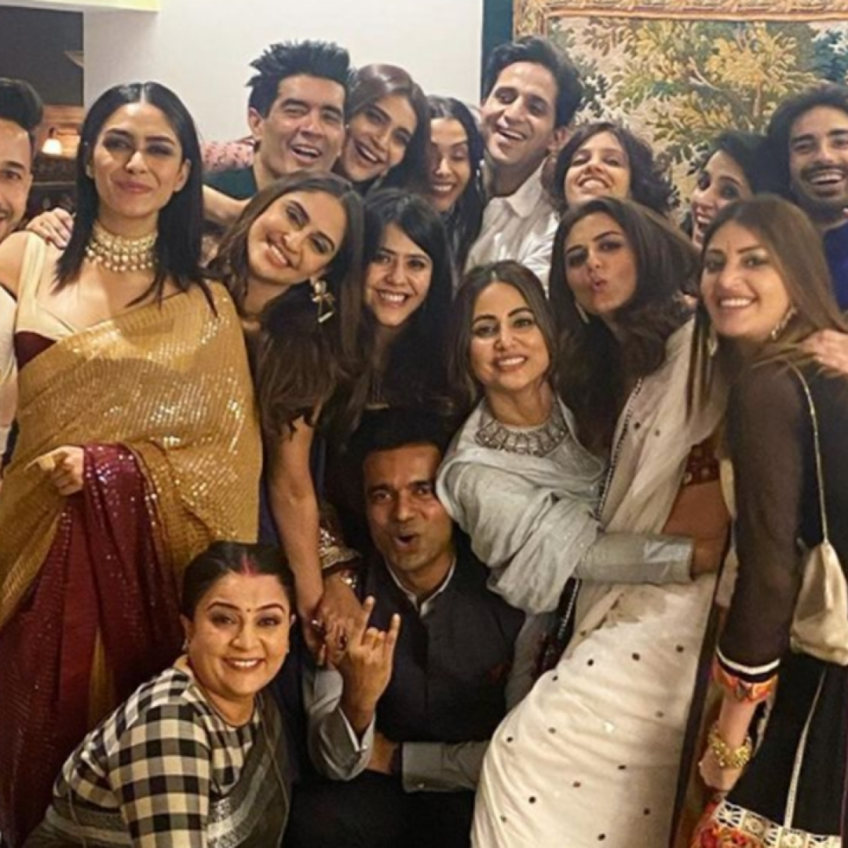 Inside Pics: Hina Khan shares festive stills from Ekta Kapoor's Diwali bash