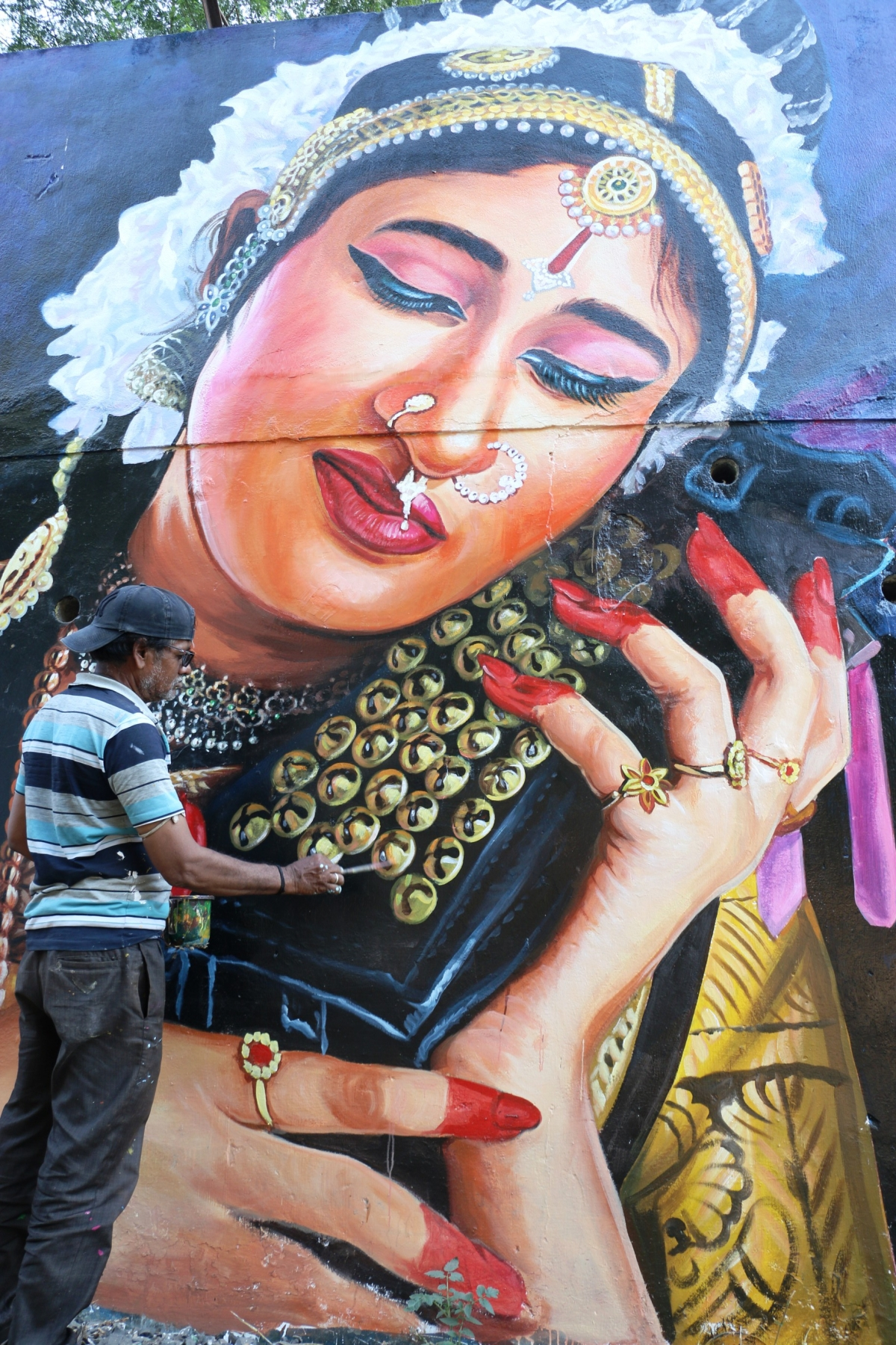 Indore: Walls in city come alive with colourful paintings, saving a dying art form in the process