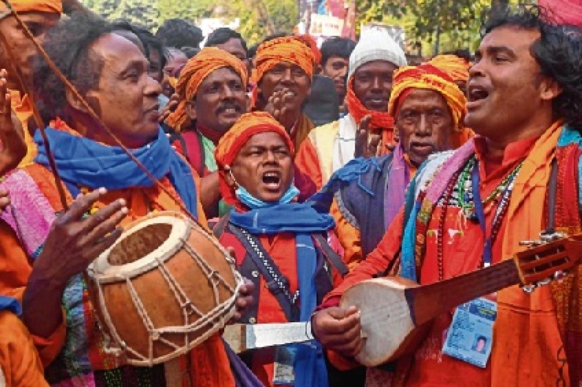 Traditional 'Baul' singers at the Mamata's Bolpur rally