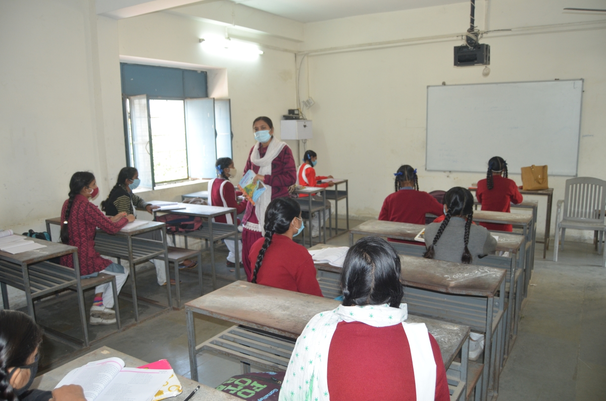 Govt, MP Board schools reopen after nine months, 35-40 % show up on Day 1
