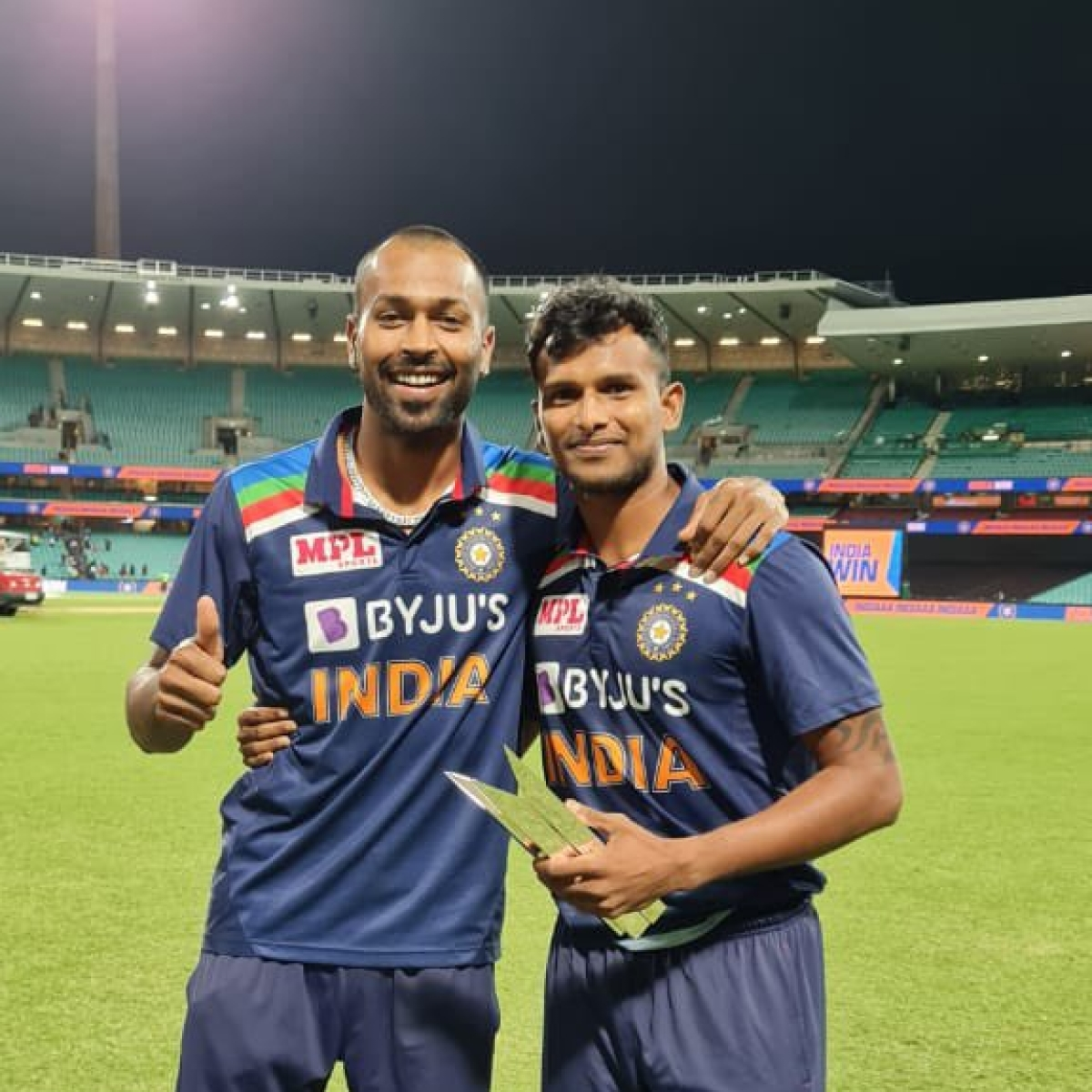'Want people to believe in themselves': Hardik Pandya hands Man of the Series award to T Natarajan