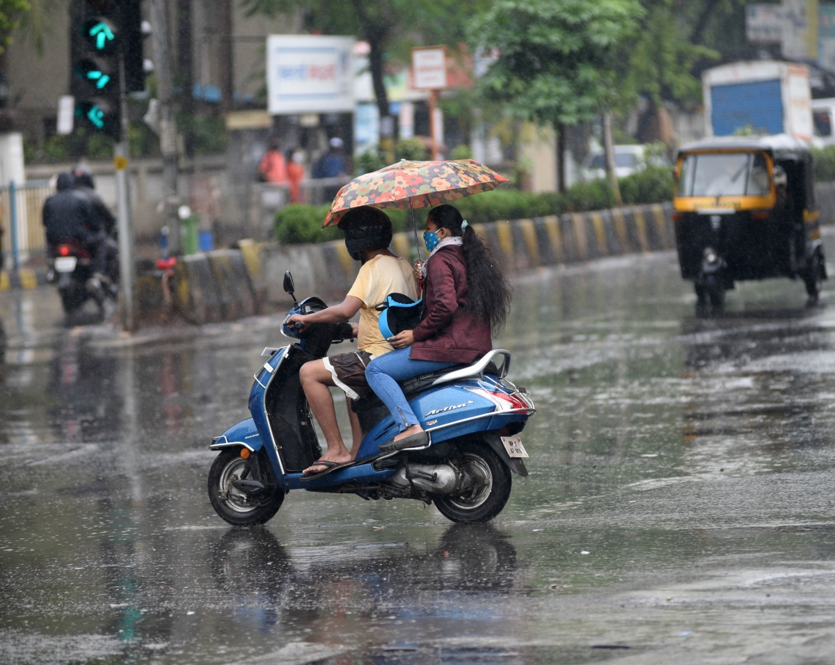 Light showers likely to continue in Mumbai, adjoining areas till Wednesday: IMD