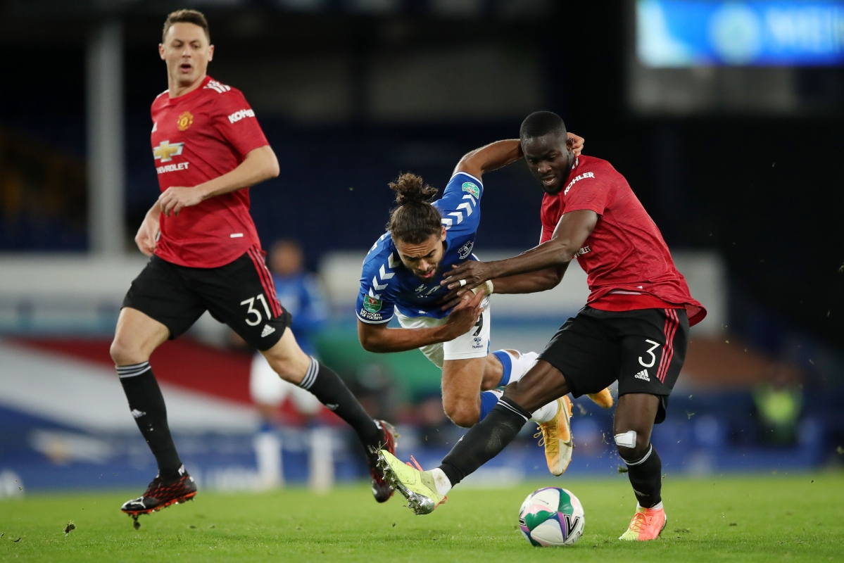 English League Cup: Man United into semifinals;  Cavani muscles them to take on Manchester City for a place in the final