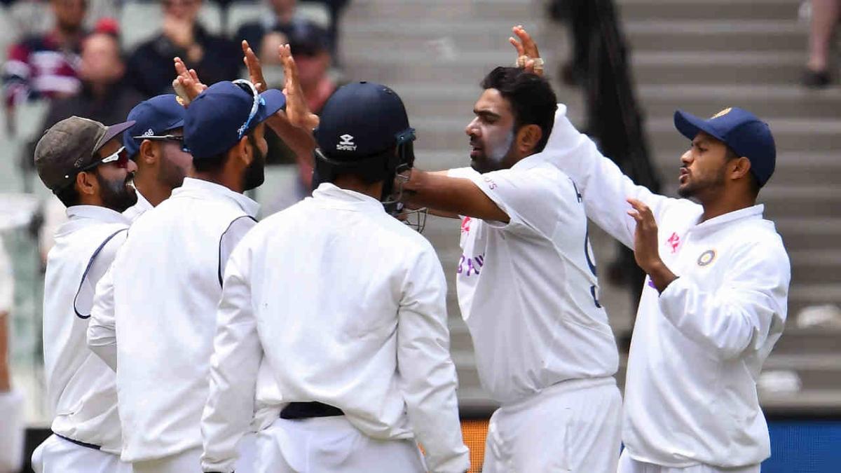 Ind vs Aus, 2nd Test: Umesh, Ashwin strike as Australia reach 65/2 at tea