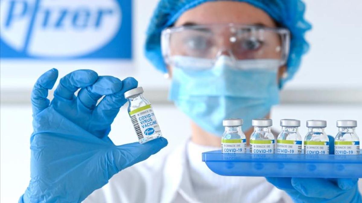 Corona Vaccine Tracker on Dec 12, 2020