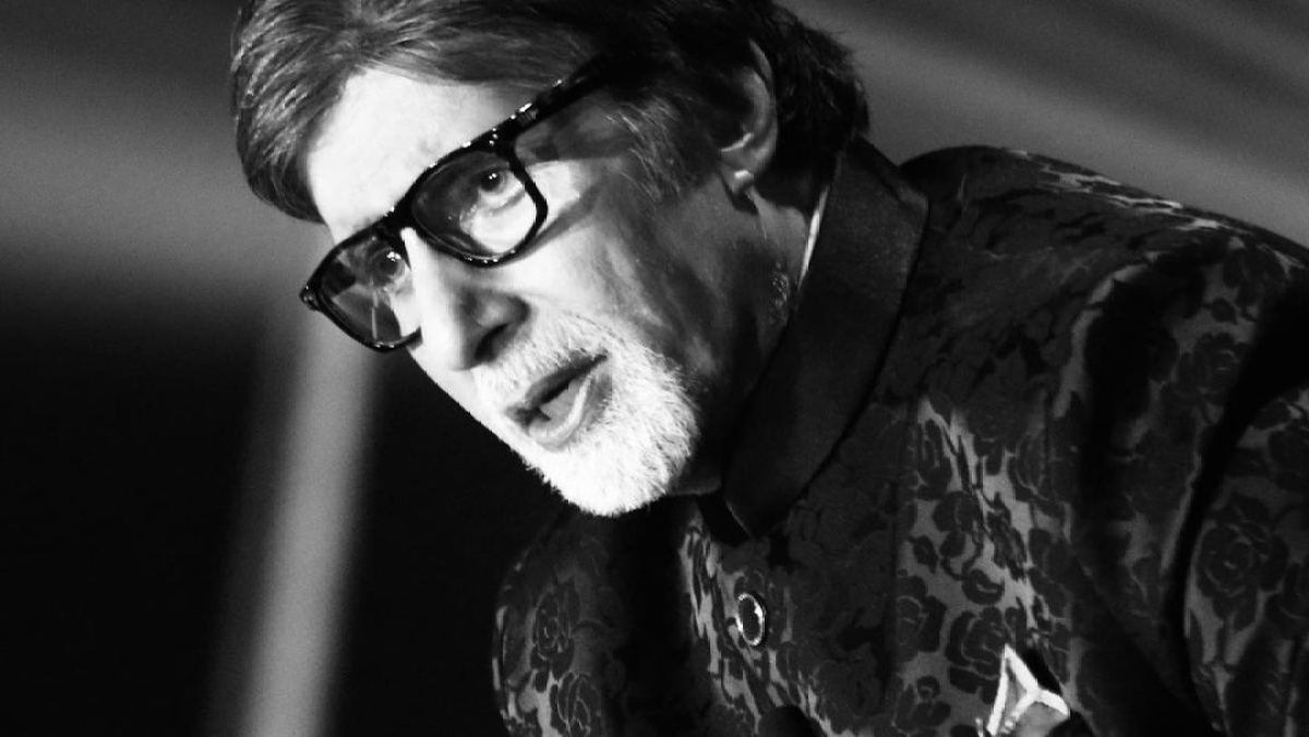 Amitabh Bachchan confirms undergoing eye surgery, says 'sight difficult, progress is slow'